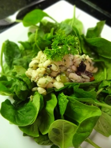 Imported Tuna & Bean Salad on UNdressed greens